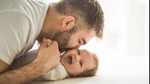Is het belangrijk voor een baby om de vader te blijven zien?